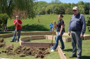 Valley cultivates healthful habits with garden project