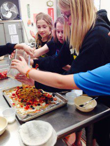 Cooking Club Fruit Pizza 3